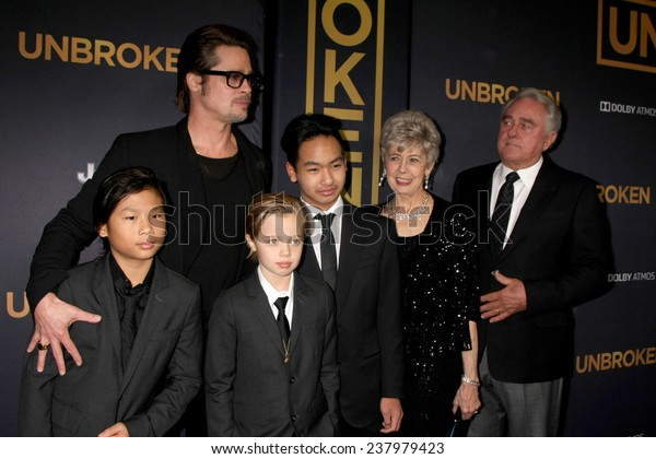 """LOS ANGELES - DEC 15:  Brad Pitt, Pax, Shiloh, Maddox Jolie-Pitt, Jane Pitt, and William Pitt at the """"Unbroken"""" - Los Angeles Premiere at the Dolby Theater on December 15, 2014 in Los Angeles, CA"""