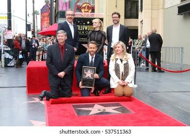LOS ANGELES - DEC 15:  Rhett Reese, Anna Faris, Paul Wernick, Leron Gubler, Ryan Reynolds at Ryan's Walk of Fame Star Ceremony at the Hollywood & Highland on December 15, 2016 in Los Angeles, CA