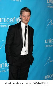 LOS ANGELES - DEC 8:  Ben McKenzie arrives at the 2011 UNICEF Ball at Beverly Wilshire Hotel on December 8, 2011 in Beverly Hills, CA