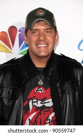 LOS ANGELES - DEC 9:  Rodney Atkins arrives at the 2011 American Giving Awards at Dorothy Chandler Pavilion on December 9, 2011 in Los Angeles, CA