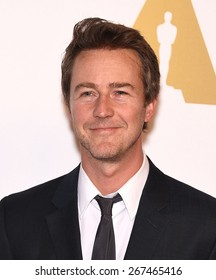 LOS ANGELES - FEB 02:  Edward Norton arrives to the Oscar Nominee Reception  on February 2, 2015 in Beverly Hills, CA