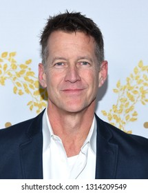 LOS ANGELES - FEB 09:  James Denton arrives for the {Event} on February 09, 2019 in Pasadena, CA