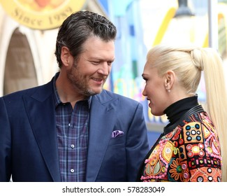 LOS ANGELES - FEB 10:  Blake Sheldon, Gwen Stefani at the Adam Levine Hollywood Walk of Fame Star Ceremony at Musicians Institute on February 10, 2017 in Los Angeles, CA