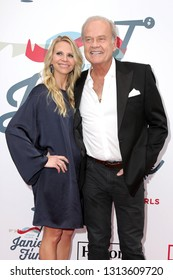 LOS ANGELES - FEB 10:  Kayte Walsh, Kelsey Grammer at the 2019 Steven Tyler's Grammy Viewing Party at the Raleigh Studios on February 10, 2019 in Los Angeles, CA