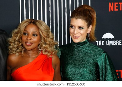 LOS ANGELES - FEB 12: Mary J Blige, Kate Walsh at the premiere of Netflix's 'The Umbrella Academy' at ArcLight Hollywood on February 12, 2019 in Los Angeles, California,