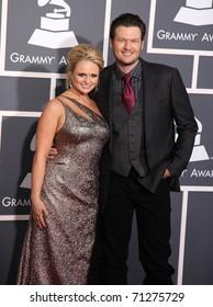 LOS ANGELES - FEB 13:  Miranda Lambert & Blake Shelton arrive at the 2011 Grammy Awards  on February 13, 2011 in Los Angeles, CA