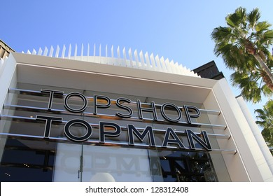 LOS ANGELES - FEB 14: Atmosphere at the Topshop Topman LA Grand Opening at The Grove on February 14, 2013 in Los Angeles, California