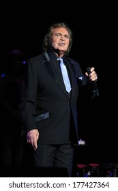LOS ANGELES - FEB 16:  Engelbert Humperdinck at the Engelbert Humperdinck In Concert at Saban Theater on February 16, 2014 in Beverly Hills, CA