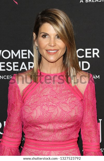 LOS ANGELES - FEB 28:  Lori Loughlin at the Women's Cancer Research Fund's An Unforgettable Evening at the Beverly Wilshire Hotel on February 28, 2019 in Beverly Hills, CA