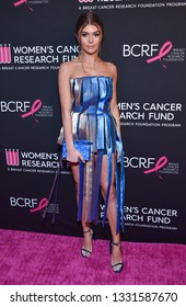 """LOS ANGELES - FEB 28:  Olivia Jade Giannulli arrives to """"An Unforgettable Evening""""  on February 28, 2019 in Hollywood, CA"""