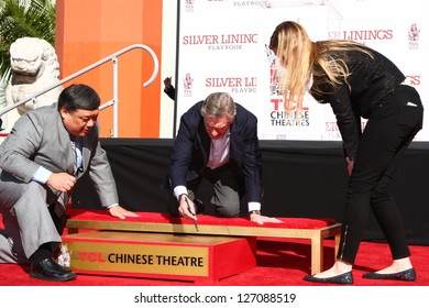 LOS ANGELES - FEB 4:  Robert DeNiro at the Robert DeNiro Handprint & Footprint Ceremony  at the TCL Chinese Theater forcourt on February 4, 2013 in Los Angeles, CA