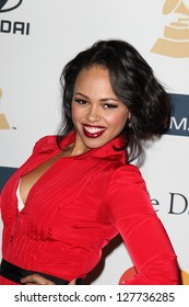 LOS ANGELES - FEB 9:  Elle Varner arrives at the Clive Davis 2013 Pre-GRAMMY Gala at the Beverly Hilton Hotel on February 9, 2013 in Beverly Hills, CA