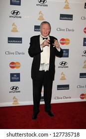 LOS ANGELES - FEB 9:  Jon Voight arrives at the Clive Davis 2013 Pre-GRAMMY Gala at the Beverly Hilton Hotel on February 9, 2013 in Beverly Hills, CA