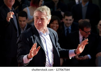 LOS ANGELES - FEBRUARY 04 : Robert De Niro at the Handprint Ceremony at TCL Chinese Theatre for Robert De Niro, at 6925 Hollywood Blvd on February 04, 2013 in Los Angeles, CA