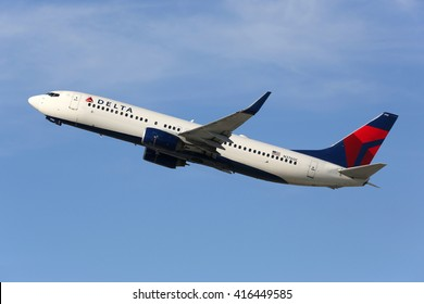 LOS ANGELES - FEBRUARY 22: A Delta Air Lines Boeing 737-800 takes off on February 22, 2016 in Los Angeles. Delta Air Lines is an American airline headquartered in Atlanta.