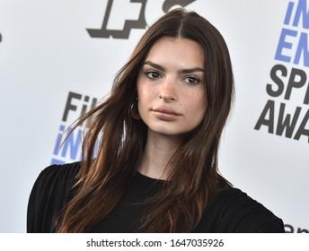 LOS ANGELES - JAN 06:  Emily Ratajkowski arrives for the Film Independent Spirit Awards 2020 on February 08, 2020 in Santa Monica, CA