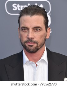 LOS ANGELES - JAN 11:  Skeet Ulrich arrives for the 23rd Annual Critics' Choice Awards on January 11, 2018 in Santa Monica, CA