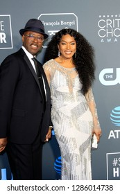 LOS ANGELES - JAN 13:  Courtney B. Vance, Angela Bassett at the Critics Choice Awards  at the Barker Hanger on January 13, 2019 in Santa Monica, CA