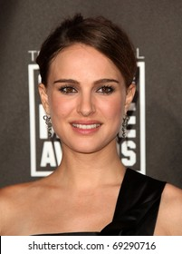 """LOS ANGELES - JAN 14:  Natalie Portman arrives at the 16th Annual """"Critics"""" Choice Movie Awards  on January 14, 2011 in Los Angeles, CA"""