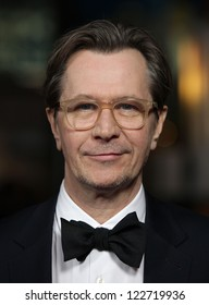 LOS ANGELES - JAN 28:  GARY OLDMAN arriving to Director's Guild Awards 2012  on January 28, 2012 in Hollywood, CA
