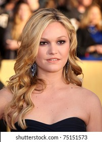 LOS ANGELES - JAN 30:  Julia Stiles arrives at the the SAG Awards 2011 on January 30, 2011 in Los Angeles, CA