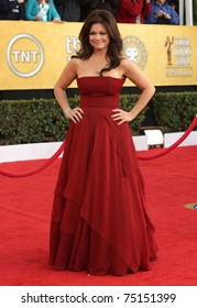 LOS ANGELES - JAN 30:  Valerie Bertinelli arrives at the the SAG Awards 2011 on January 30, 2011 in Los Angeles, CA