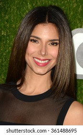 LOS ANGELES - JAN 9:  Roselyn Sanchez at the The CW World Dog Awards at the Barker Hanger on January 9, 2016 in Santa Monica, CA