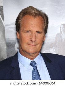 """LOS ANGELES - JUL 10:  Jeff Daniels arrives to the 'HBO's """"The Newsroom"""" Season 2 Premiere  on July 10, 2013 in Hollywood, CA"""