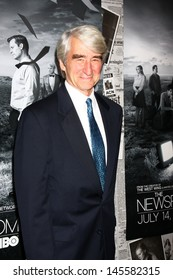 """LOS ANGELES - JUL 10:  Sam Waterston arrives at the HBO series """"The Newsroom"""" Season 2 Premiere Screening at the Paramount Theater on July 10, 2013 in Los Angeles, CA"""