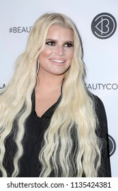 LOS ANGELES - JUL 14:  Jessica Simpson at the Beautycon Festival LA 2018 at the Convention Center on July 14, 2018 in Los Angeles, CA