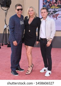 LOS ANGELES - JUL 22:  Rob Lowe, Sheryl Berkoff and John Owen Lowe arrives for the 'Once Upon A Time In Hollywood' Los Angeles Premiere on July 22, 2019 in Hollywood, CA