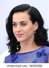 "LOS ANGELES - JUL 28:  Katy Perry arrives to the ""The Smurfs 2"" Los Angeles Premiere  on July 28, 2013 in Westwood, CA"