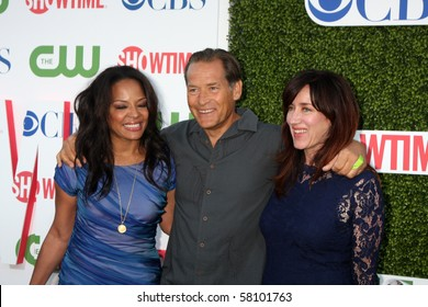 LOS ANGELES - JUL 28:  Lauren Velez, James Remar, & Maria Doyle Kennedy arrive at the CBS Summer Press Tour Party  at The Tent  on July28, 2010 in Beverly Hills, CA