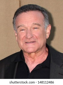 LOS ANGELES - JUL 29:  Robin WIlliams arrives at the 2013 CBS TCA Summer Party at the private location on July 29, 2013 in Beverly Hills, CA