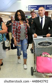 LOS ANGELES - JULY 6, 2016: Sportsreporter/broadcaster  Pam Oliver spotted at LAX arriving to Los Angeles probably for the ESPY's in downtown LA July 6, 2016.