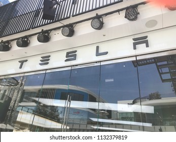 LOS ANGELES, JULY 7TH 2018: The Tesla sign above the Tesla dealership at the Westfield shopping mall in Century City.