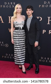 LOS ANGELES - JUN 04:  Sophie Turner and Joe Jonas arrives for the 'Dark Phoenix' Global Premiere on June 04, 2019 in Hollywood, CA