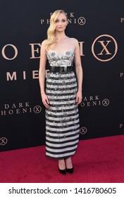 LOS ANGELES - JUN 04:  Sophie Turner arrives for the 'Dark Phoenix' Global Premiere on June 04, 2019 in Hollywood, CA