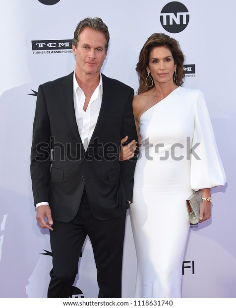 LOS ANGELES - JUN 07:  Rande Gerber and Cindy Crawford arrives for the AFI Lifetime Achievement Awards to George Clooney on June 07, 2018 in Hollywood, CA