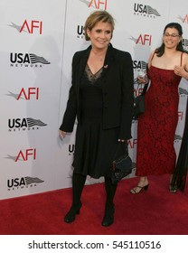 LOS ANGELES -JUN 10:  Carrie Fisher arrives at the AFI Salute to Meryl Street at the Kodak Theater on June 10, 2004 in Los Angeles, CA.