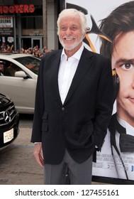 """LOS ANGELES - JUN 12:  Dick Van Dyke arriving to """"Mr Popper's Penguins"""" Los Angeles Premiere  on June 12, 2011 in Hollywood, CA"""