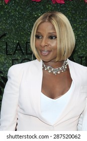 LOS ANGELES - JUN 13: Mary J Blige at the  LadyLike Foundation 7th Annual Women Of Excellence Scholarship Luncheon at Luxe Hotel on June 13, 2015 in Los Angeles, California.