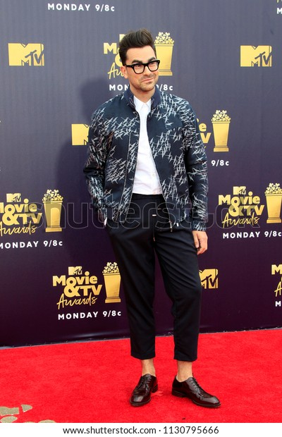 LOS ANGELES - JUN 16:  Dan Levy, Schitts Creek at the 2018 MTV Movie And TV Awards at the Barker Hanger on June 16, 2018 in Santa Monica, CA