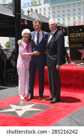 LOS ANGELES - JUN 2:  Dorothy Flay, Bobby Flay, Bill Flay at the Bobby Flay Hollywood Walk of Fame Ceremony at the Hollywood Blvd on June 2, 2015 in Los Angeles, CA