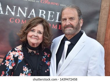 LOS ANGELES - JUN 20:  Judy Spera and Tony Spera arrives to the 'Annabelle Comes Home' World Premiere  on June 20, 2019 in Hollywood, CA