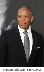 """LOS ANGELES - JUN 22:  Dr Dre at """"The Defiant Ones"""" HBO Premiere Screening at the Paramount Theater on June 22, 2017 in Los Angeles, CA"""