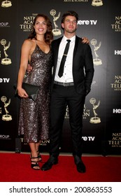 LOS ANGELES - JUN 22:  Kelly Thiebaud, Bryan Craig at the 2014 Daytime Emmy Awards Arrivals at the Beverly Hilton Hotel on June 22, 2014 in Beverly Hills, CA