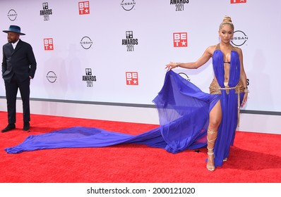 LOS ANGELES - JUN 27:  Saweetie {Object} arrives for the 2021 BET Awards on June 27, 2021 in Los Angeles, CA