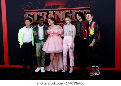 "LOS ANGELES - JUN 28:  Cast at the ""Stranger Things"" Season 3 World Premiere at the Santa Monica High School on June 28, 2019 in Santa Monica, CA"
