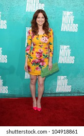 LOS ANGELES - JUN 3:  Ellie Kemper arriving at the 2012 MTV Movie Awards at Gibson Ampitheater on June 3, 2012 in Los Angeles, CA